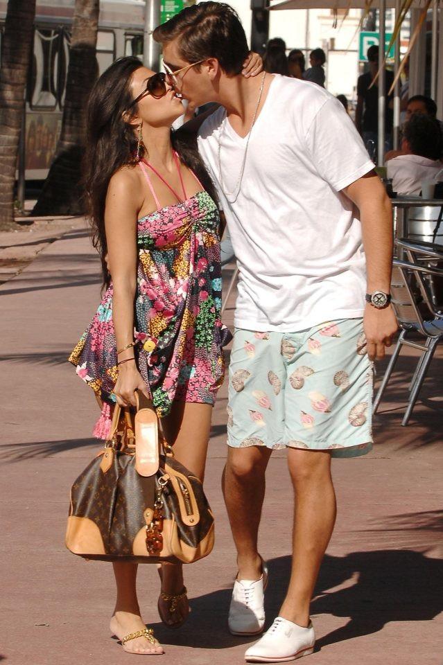 Hai ngôi sao truyền hình thực tế Kourtney Kardashian, 38 tuổi, và Scott Disick, 34 tuổi.