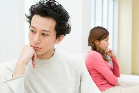 Muốn ly hôn vì vợ không cho chồng quan hệ với gia đình mình ở quê - 1