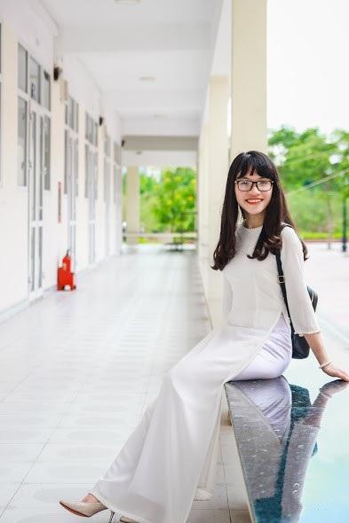 Cô gái lớp 12 chuyên Anh, trường THPT Chuyên Trần Phú, Hải Phòng vừa xuất sắc nhận 9 học bổng Mỹ.