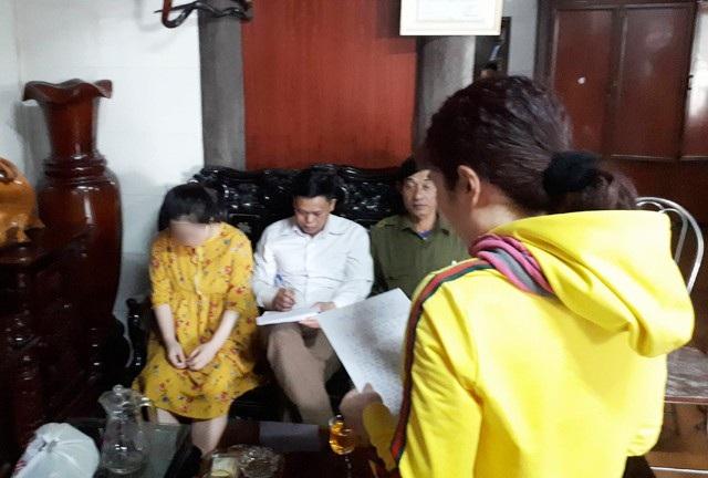 Bà Phan Thị Nghĩa đọc thư xin lỗi giáo sinh P.T.H và gia đình