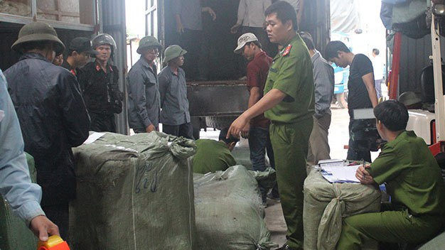 Hàng lậu bị bắt giữ, xử lý