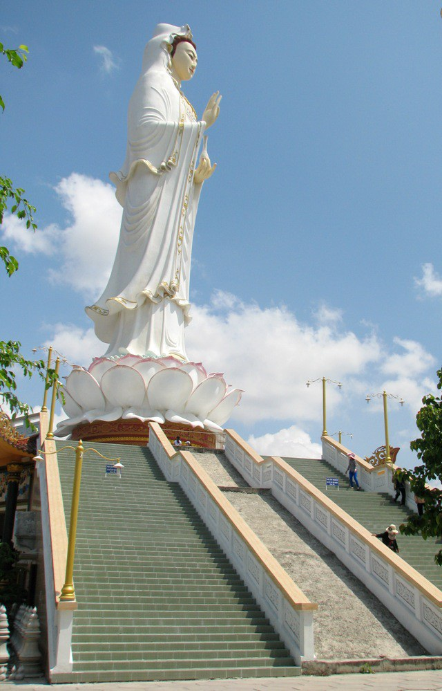 """Bí thư Tỉnh ủy """"vi hành"""" khảo sát điểm xây bến xe vào chùa có tượng Phật Quan Âm cao nhất ĐBSCL - 7"""