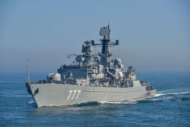 Tàu chiến Yaroslav Mudry của Nga (Ảnh: Royal Navy)