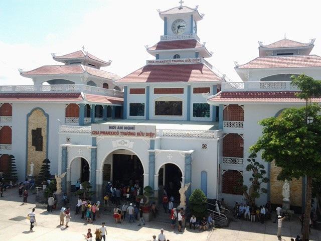 Thánh đường Tắc Sậy ở thị xã Giá Rai.