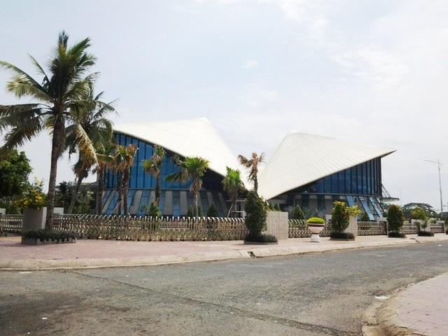 Tuyến đường gần Nhà hát Cao Văn Lầu (Nhà hát 3 nón lá) được Phó Chủ tịch TP Bạc Liêu kiến nghị mở khu phố đi bộ là hợp lý.