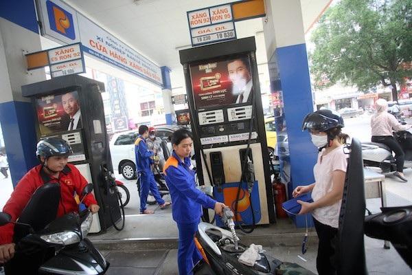 Giá xăng được giữ nguyên trong kỳ điều hành 23/4.