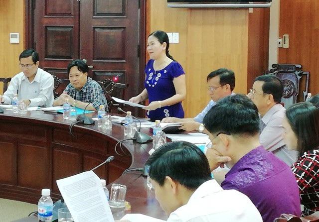 Bà Lê Hồng Thu- Phó Chủ tịch UBND TP Bạc Liêu kiến nghị nên mở phố đi bộ.