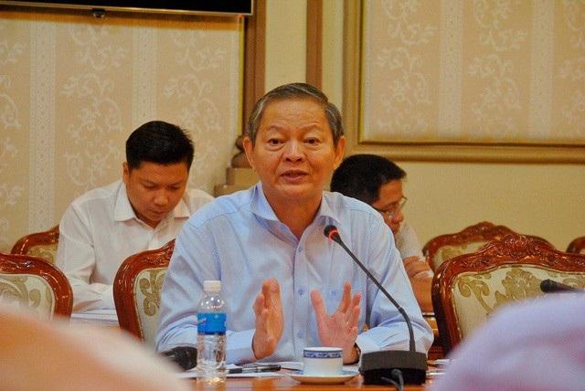 Phó Chủ tịch UBND TPHCM Lê Văn Khoa tại cuộc họp về vấn đề sốt đất ảo, phân lô bán nền vào tháng 5/2017