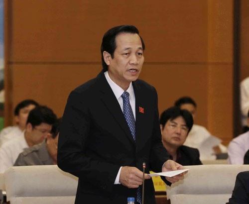 Bộ trưởng LĐ,TB&XH Đào Ngọc Dung cho biết 2 phương án tăng tuổi nghỉ hưu sẽ được trình hội nghị Trung ương 7 xem xét
