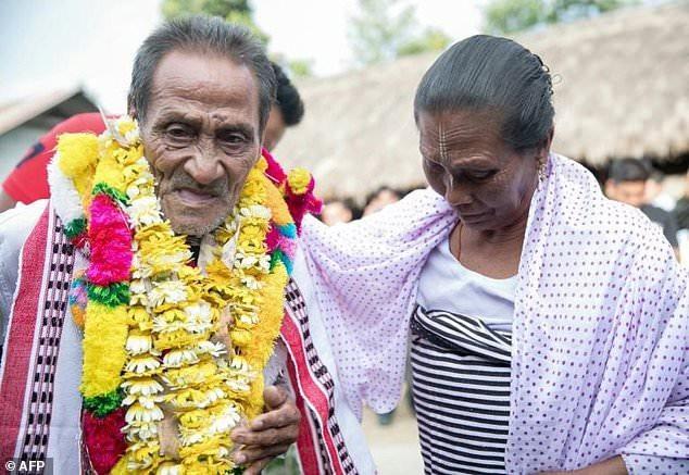 Ông Khomdram Gambhir Singh được chào đón trở lại quê nhà sau 40 năm ra đi.