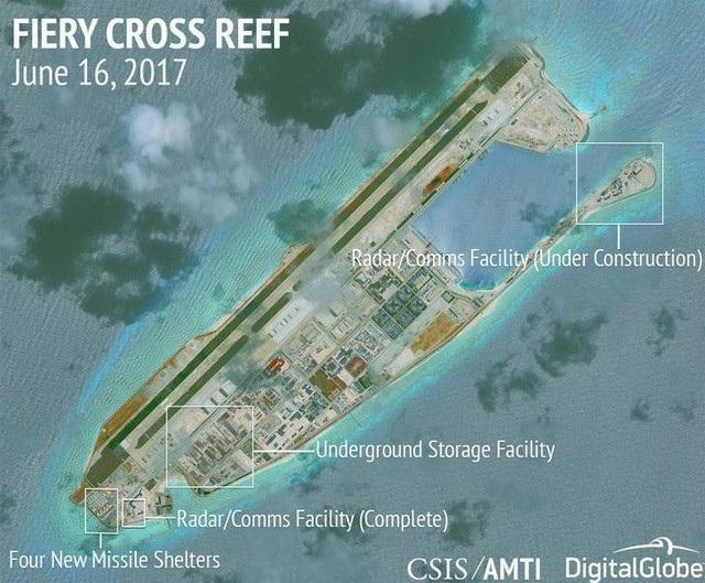 Ảnh vệ tinh chụp Trung Quốc quân sự hóa đá Chữ Thập thuộc quần đảo Trường Sa của Việt Nam (Ảnh: AMTI/Reuters)
