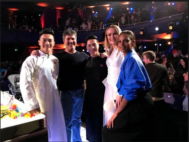 Quốc Cơ - Quốc Nghiệp và 3 vị giám khảo của Britaint's Got Talent.