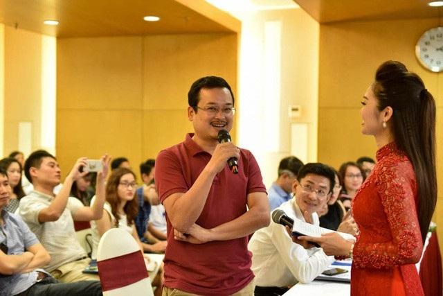 Anh Tạ Quang Thái - đại diện nhóm thí sinh đạt giải Nhì tại Giải thưởng Nhân tài Đất Việt 2017 với ứng dụng kết nối Rada.