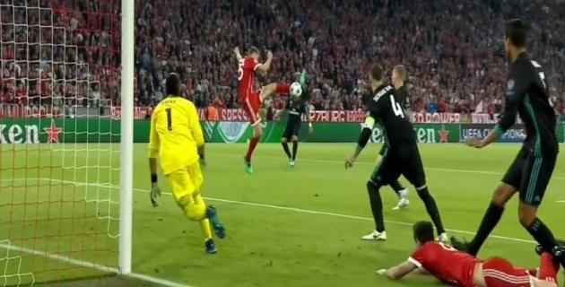 Bayern Munich đang chơi có phần ép sân hơn khi đối đầu Real Madrid