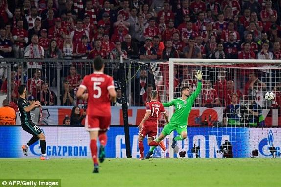 Asensio nhanh chóng bén duyên khi được tung vào sân ở hiệp 2