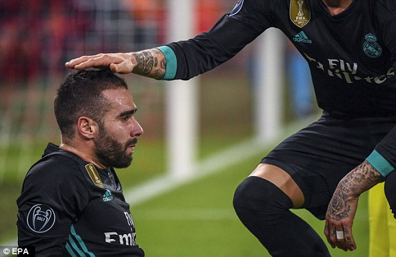 Chấn thương khiến Carvajal phải rời sân ở phút 67