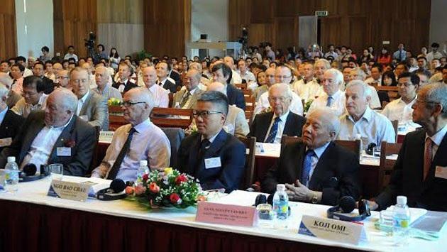 Các đại biểu tham dự Gặp gỡ Việt Nam năm 2016