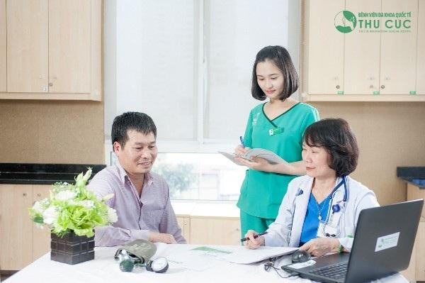 Khám lâm sàng là bước quan trọng, giúp bác sĩ đánh giá nguy cơ, từ đó sẽ có chỉ định phù hợp nhất với mỗi người bệnh.