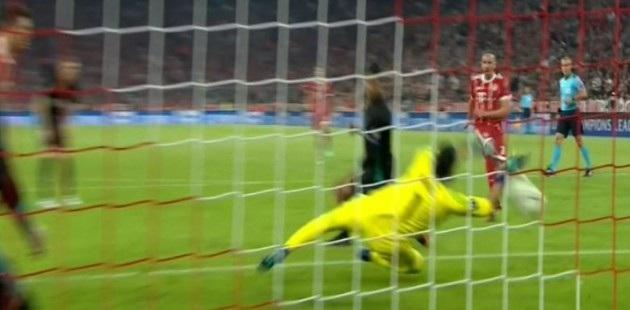 Ribery bỏ lỡ cơ hội khi đối mặt với thủ thành Navas