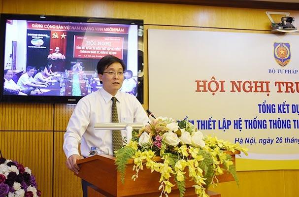 Thứ trưởng Bộ Tư pháp Nguyễn Khánh Ngọc phát biểu tại hội nghị.