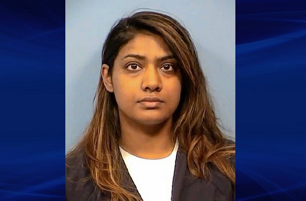 Tina Jones bị bắt giữ khi tìm cách thuê sát thủ để giết chết tình địch