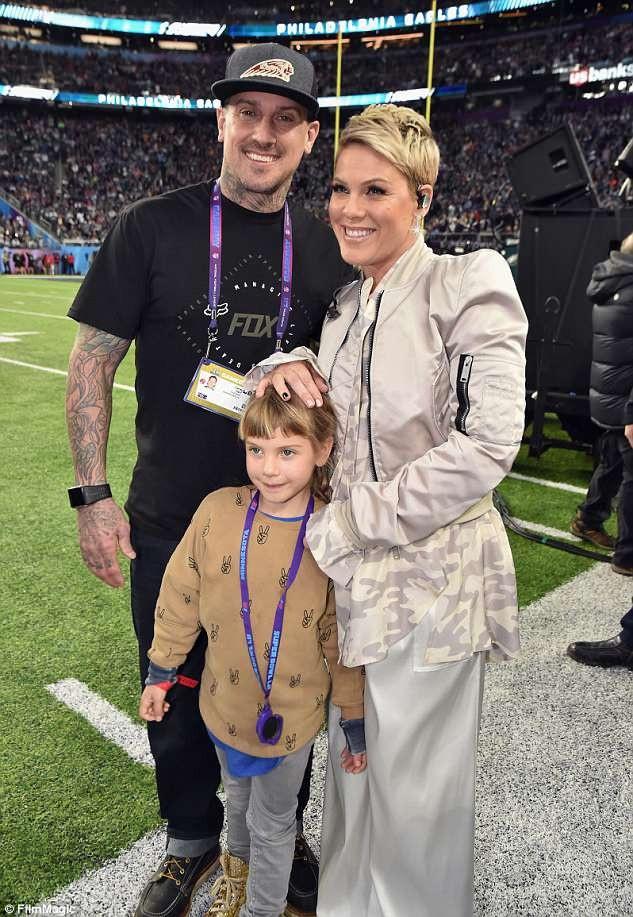 Pink và chồng đã có hai người con. Trong ảnh là cô con gái Willow 6 tuổi, ngoài ra, họ còn có cậu con trai Jameson 1 tuổi.