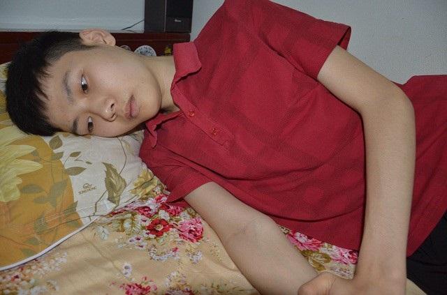 Mắc bệnh hiểm nghèo, ước mơ thi đỗ vào trường Đại học Y Thái Nguyên của Phúc đành gác lại