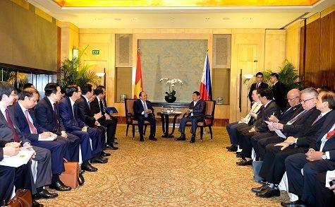 Hai nhà lãnh đạo Việt Nam và Philippines có cuộc tiếp xúc song phương tại Singapore