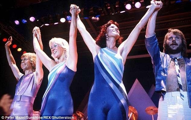 Hiện tại, cả bốn thành viên của ABBA đều đang cùng hợp tác thu âm ca khúc mới, nhưng họ sẽ không xuất hiện trong các chương trình biểu diễn sắp tới, ít nhất là không xuất hiện trên sân khấu.