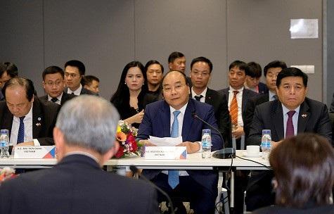 """Thủ tướng mong doanh nhân Singapore """"nói thẳng, nói thật"""" với Việt Nam - 1"""