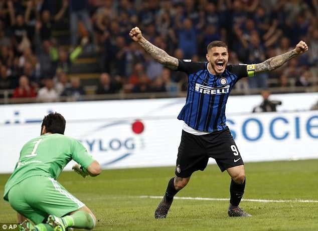 Dù thiệt quân nhưng Inter vẫn dẫn trước Juventus với tỷ số 2-1 cho tới phút 87