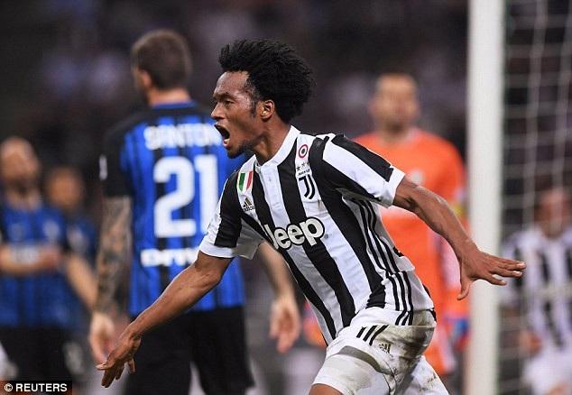 Juventus đã ghi 2 bàn thắng trong vòng 2 phút để giành chiến thắng với tỷ số 3-2