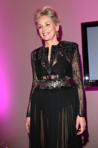 Sharon Stone được cho là đang hò hẹn cùng bạn trai Angelo Boffa, 1 người kém cô 19 tuổi.
