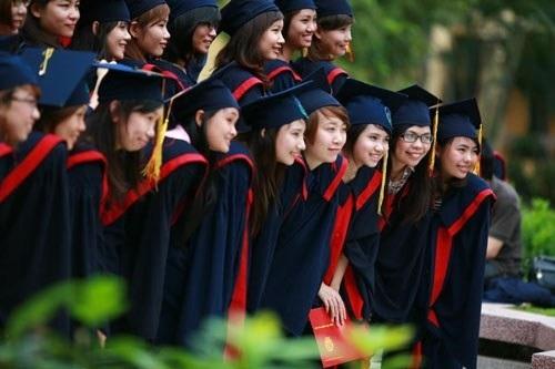 Nhà nước không đủ tiền đầu tư cho GDĐH để xây dựng các trường ĐH lọt top 500 thế giới nhưng lại rất chậm trễ trong việc huy động vốn tài chính từ XH cho các trường đại học công lập.