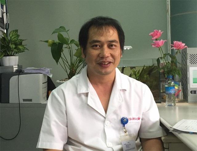 BS Nguyễn Trung Cấp, khoa Cấp cứu (BV Bệnh nhiệt đới Trung ương).