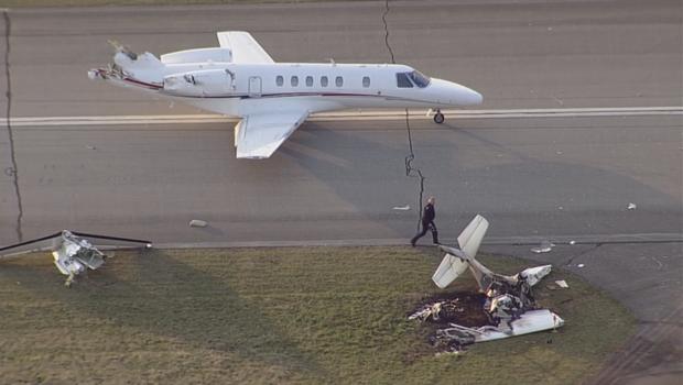 Chiếc Cessna 150 hư hại nặng và hai người trên khoang thiệt mạng sau vụ va chạm. (Ảnh: Twitter)