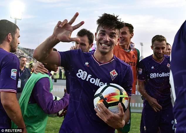 Con trai của HLV Diego Simeone, Giovanni Simeone tỏa sáng với cú hat-trick ở trận này
