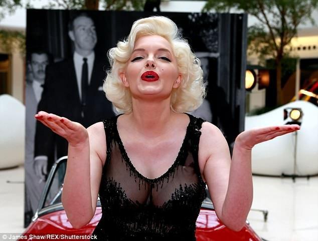 Nữ diễn viên Suzie Kennedy vốn được biết tới với ngoại hình giống hệt minh tinh huyền thoại Marilyn Monroe. Sắp tới đây, cô sẽ hỗ trợ một dự án điện ảnh làm về cuộc đời của Marilyn.