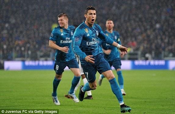 CR7 ăn mừng bàn thắng thứ hai vào lưới Juventus ở phút 64
