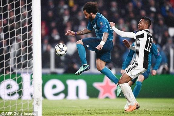 Marcelo nâng tỷ số lên 3-0 cho Real Madrid ở phút 72