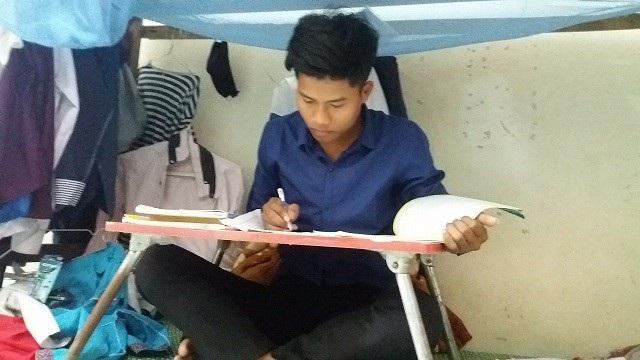Đinh Đường đang nỗ lực hết mình để học tập, nuôi dưỡng ước mơ xây dựng quê hương