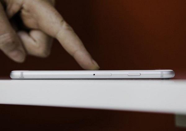 Công nghệ mới do Apple phát triển sẽ giúp người dùng điều khiển iPhone mà không cần chạm tay vào màn hình