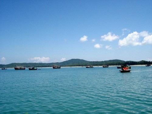 Đảo Cô Tô hấp dẫn du khách bởi vẻ đẹp rất hoang sơ. Ảnh: Hân Hân