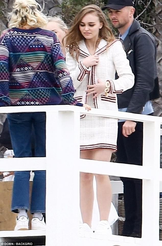 Lily-Rose Depp cũng từng đóng phim Planetarium cùng với Natalie Portman
