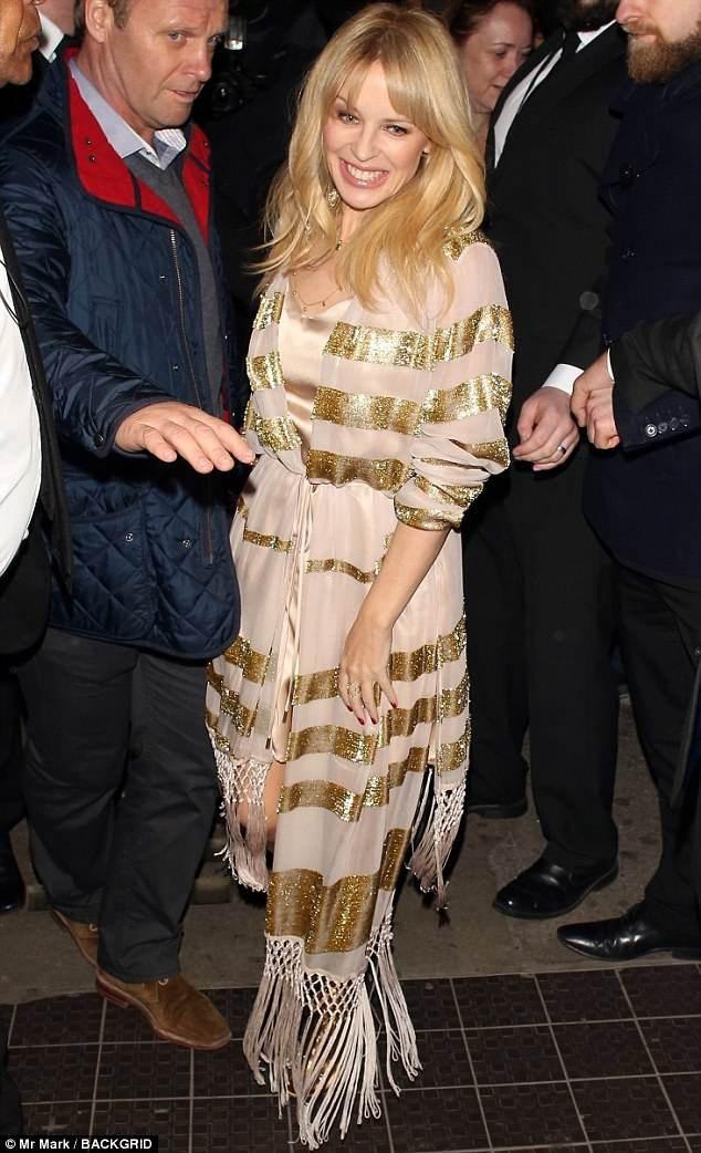 """Kylie Minogue quyến rũ hơn khi """"không thuộc về ai"""" - 12"""