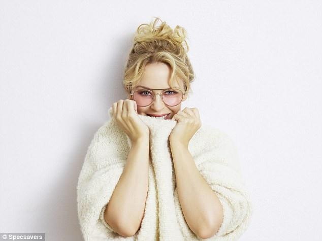 """Kylie Minogue quyến rũ hơn khi """"không thuộc về ai"""" - 5"""