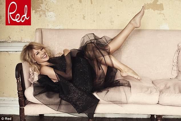 Ngôi sao người Úc quyến rũ và xinh đẹp ở tuổi 49.