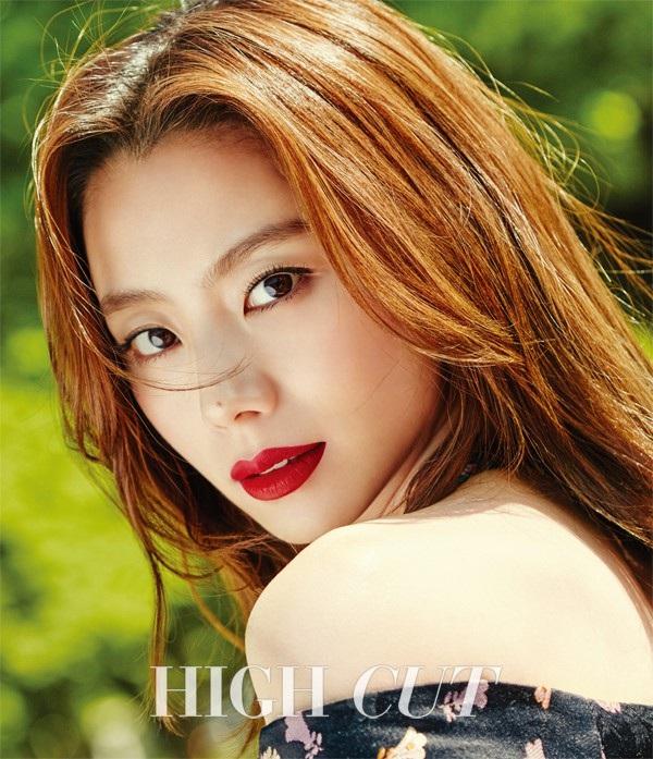Nữ diễn viên Park Soo Jin có cuộc sống sung sướng, hạnh phúc và giàu có từ khi kết hôn với Bae Yong Joon.