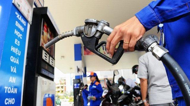 Giá xăng E5 sẽ tăng 592 đồng/lít từ chiều 7/4.