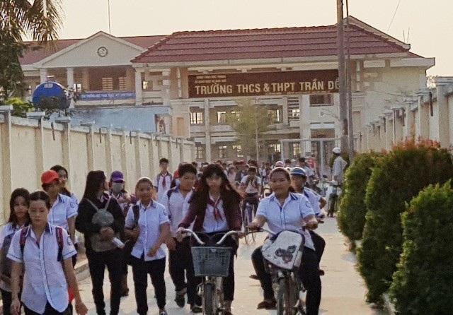 Trường THCS và THPT Trần Đề (Sóc Trăng), nơi xảy ra vụ việc.
